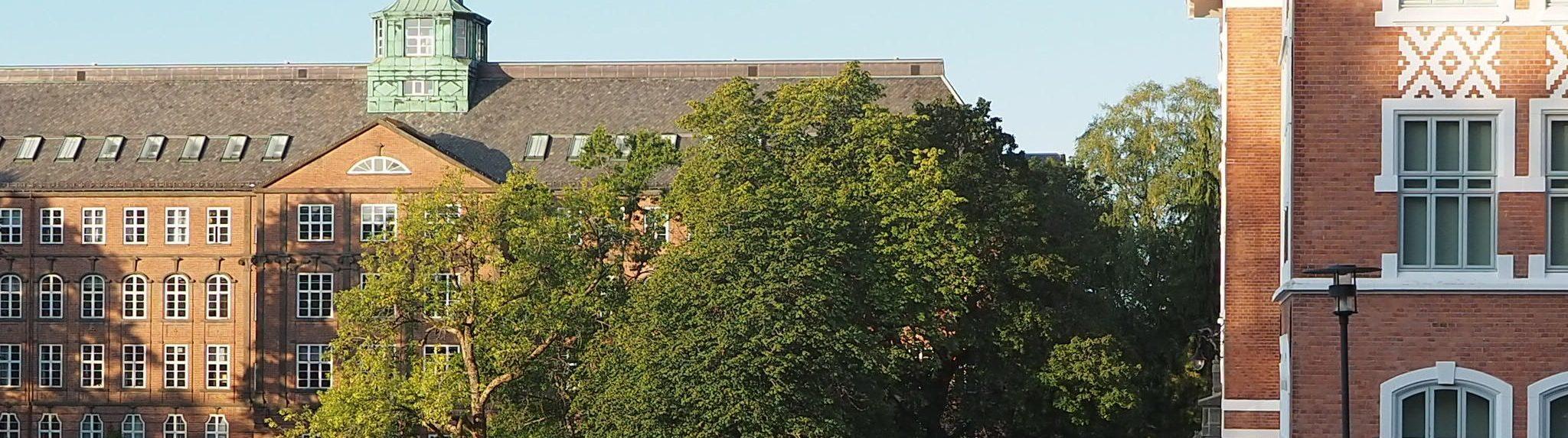 Exteriör på NMBU:s byggnad i Ås där NordGen Husdjur har sitt kontor.
